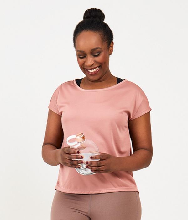 YOY'D_Yva-t-shirt-roze-losvallend-sportshirt-met-korte-mouwtjes