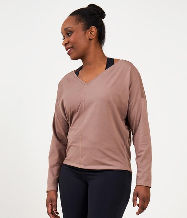YOY'D_Yasi-long-sleeve-sportieve-v-hals-sweater-in-soepele-stof