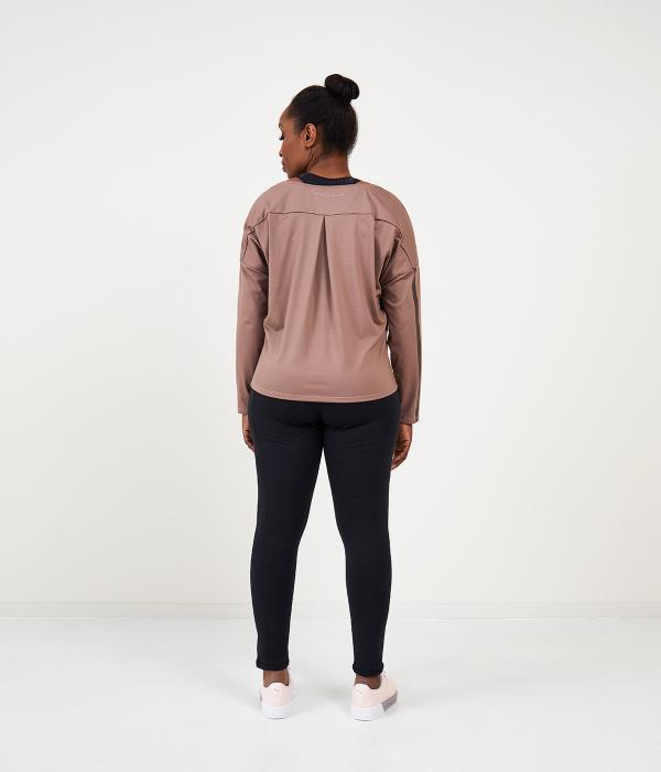 YOY'D_Yasi-long-sleeve-achterkant-sportieve-v-hals-sweater-in-soepele-stof