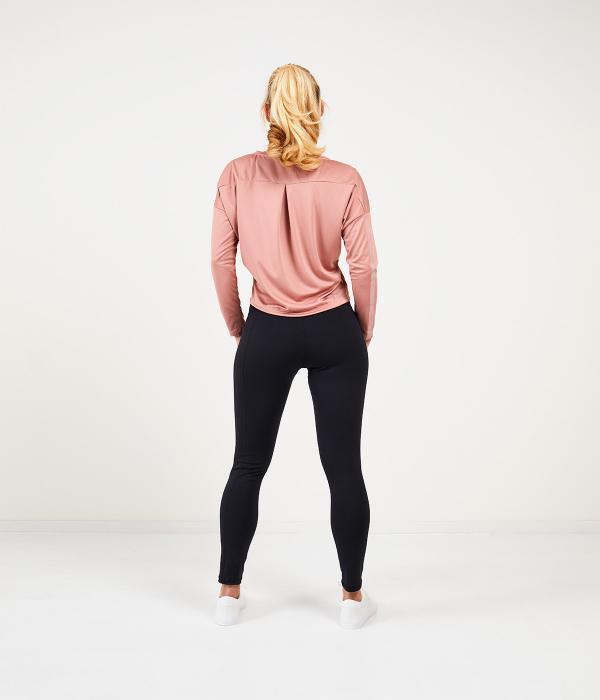 YOY'D_Yasa-longsleeve-achterkant-comfortabele-v-hals-sportshirt-met-lange-mouw